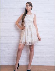 Rozkloszowana sukienka z koronki