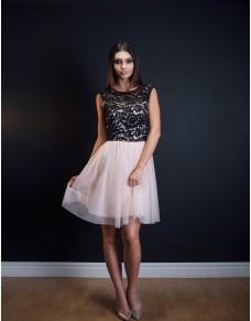 Rozkloszowana sukienka z tiulem i koronką